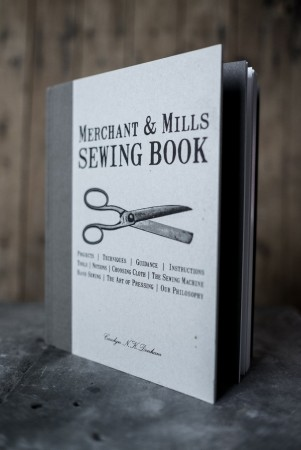 THE SEWING BOOK - sybok fra Merchant & Mills